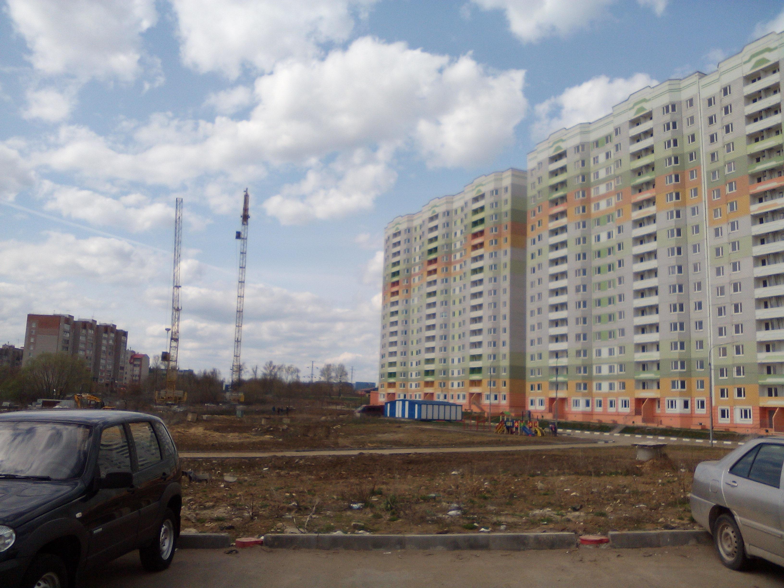 Фотографии домов 4-го Северо-Восточного микрорайона ЖК ПАРУС по улице Хворостухина г. Тула. ЗАО СУ-155